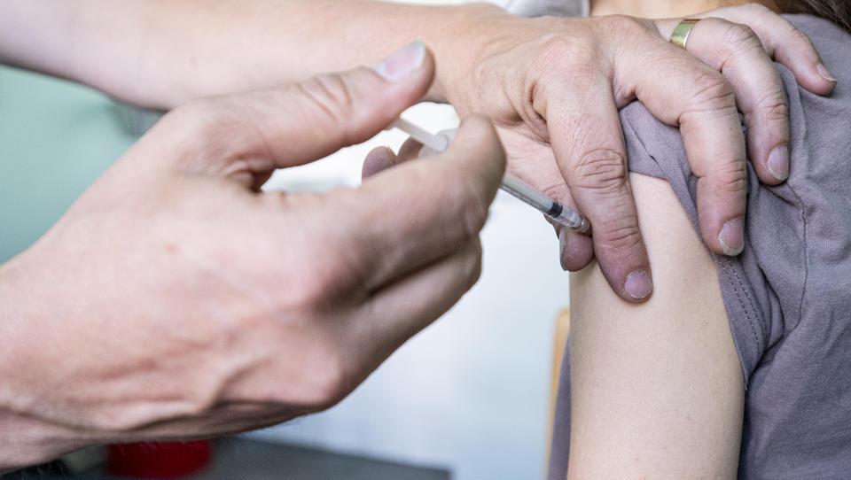 Gegen Delta: Pfizer hält dritte Impf-Dosis für notwendig