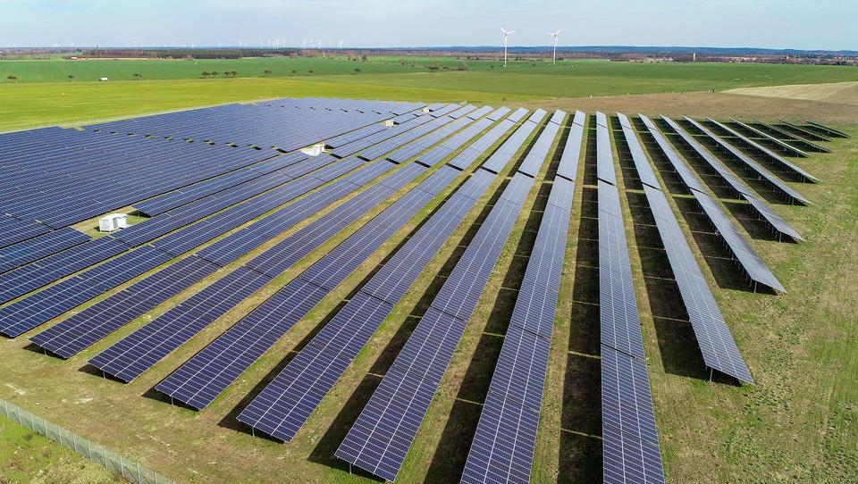 DWN-Energie-Ratgeber: Photovoltaik - ökologisch wertvoll mit komplizierter Technik und Förderung