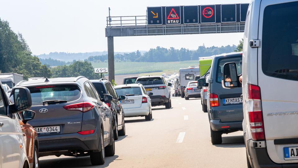 Trotz Klimaschutz: Auto-Dichte in Deutschland erreicht neuen Rekord
