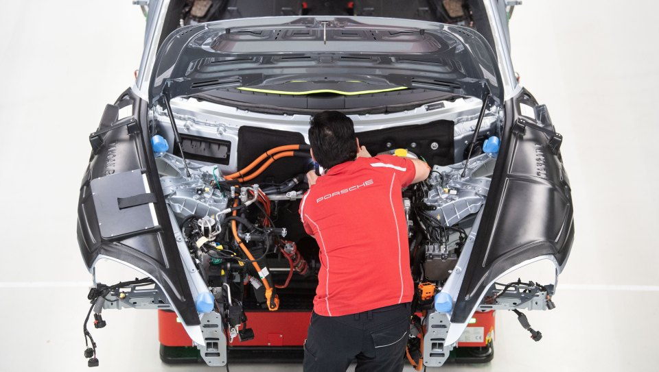 Porsche will in Tübingen Batteriezellfabrik bauen