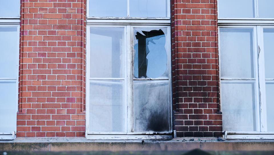 Brandanschlag auf Gebäude des Robert Koch-Instituts in Berlin