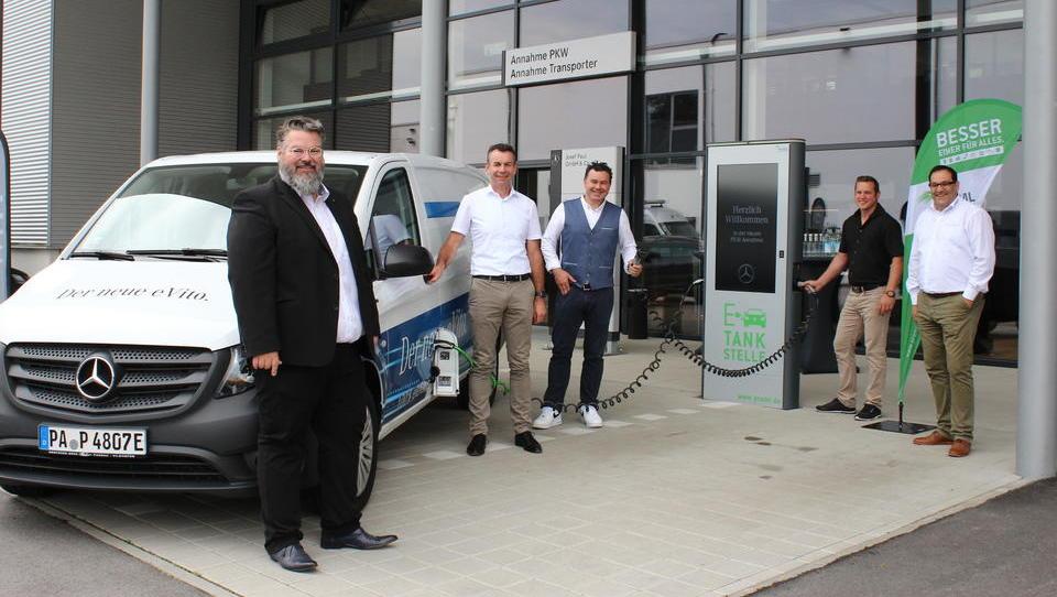 E-Mobilität: Größter eLadepark in Passau mit 16 Ladestationen eingeweiht