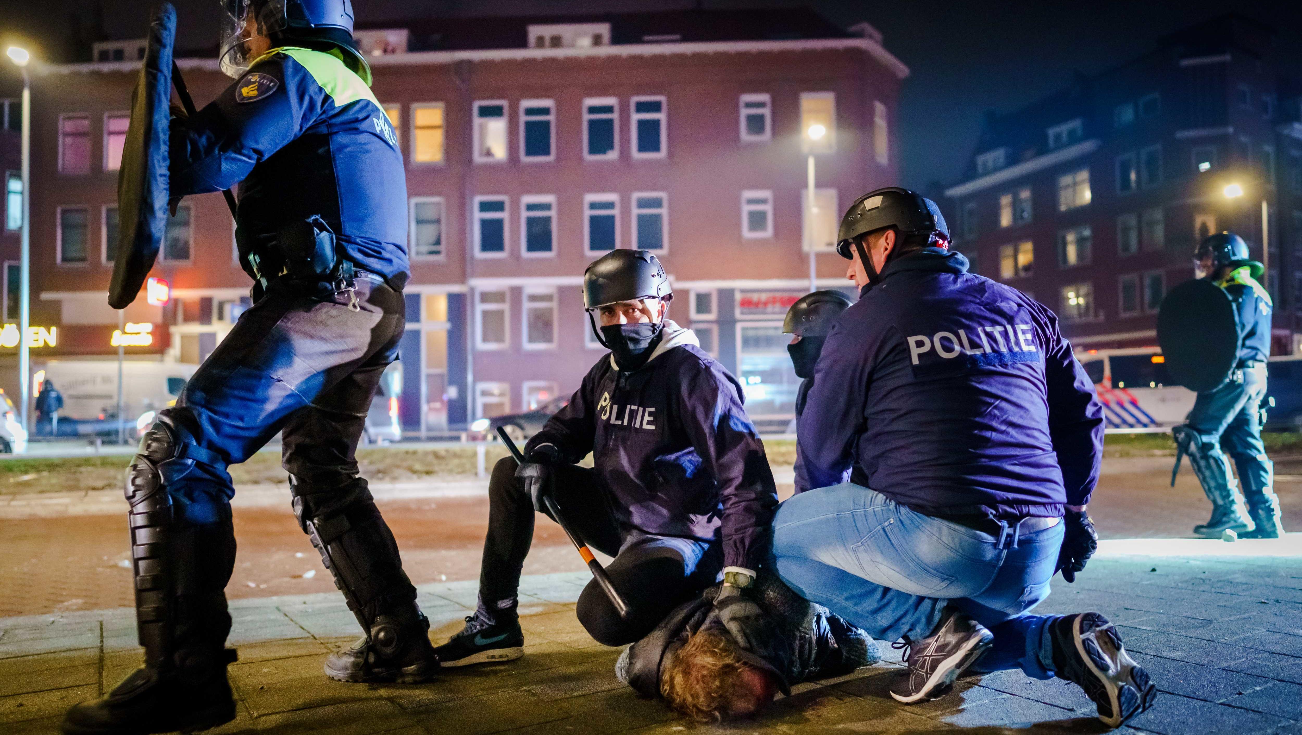Mehr als 130 Festnahmen in Niederlanden...