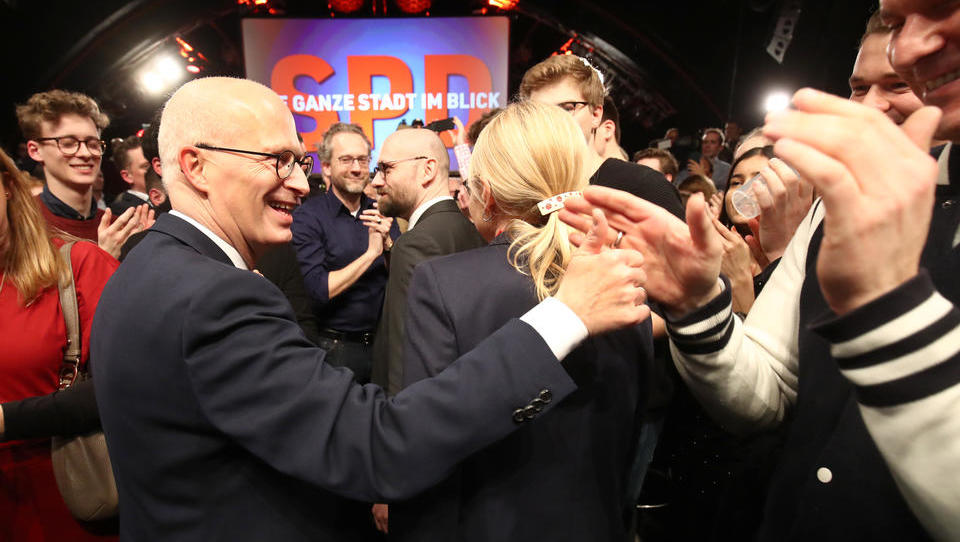 Wahltriumph für Rot-Grün in Hamburg, Schlappe für CDU
