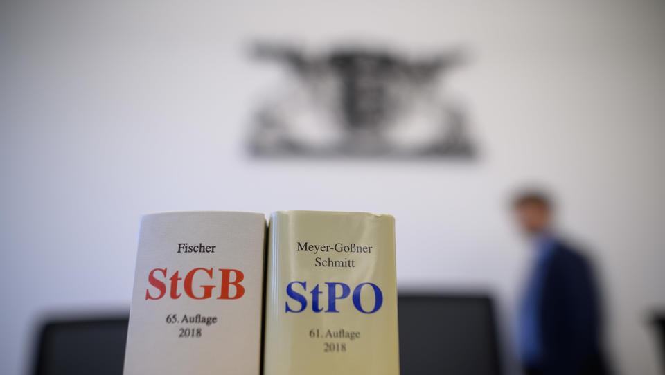 Schein-Ehen bereiten deutschen Ämtern zunehmend Probleme