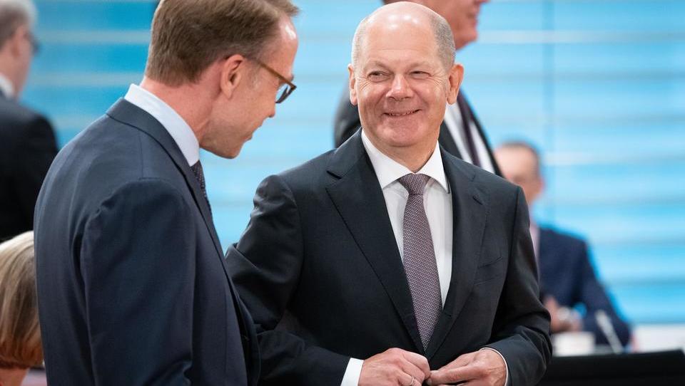 Opposition kritisiert Finanzminister Scholz für Staatsfinanzierung auf Pump