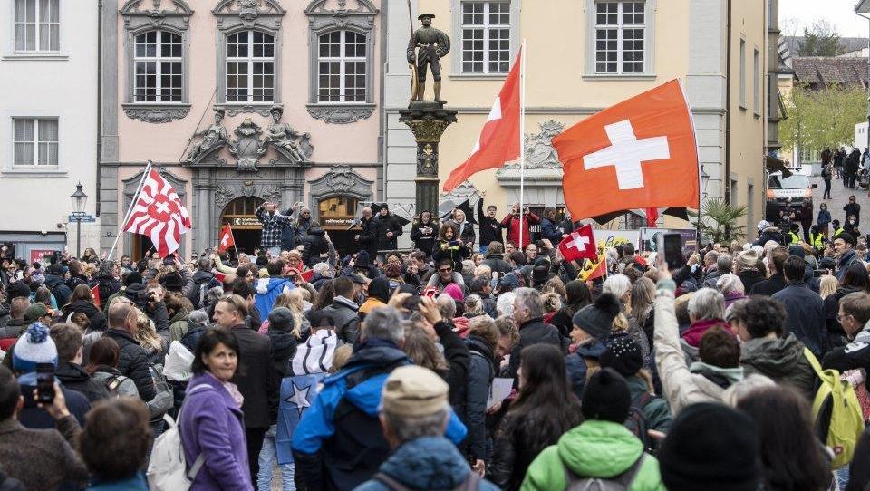 Schweiz öffnet Restaurants, Kinos und Fitnesscenter