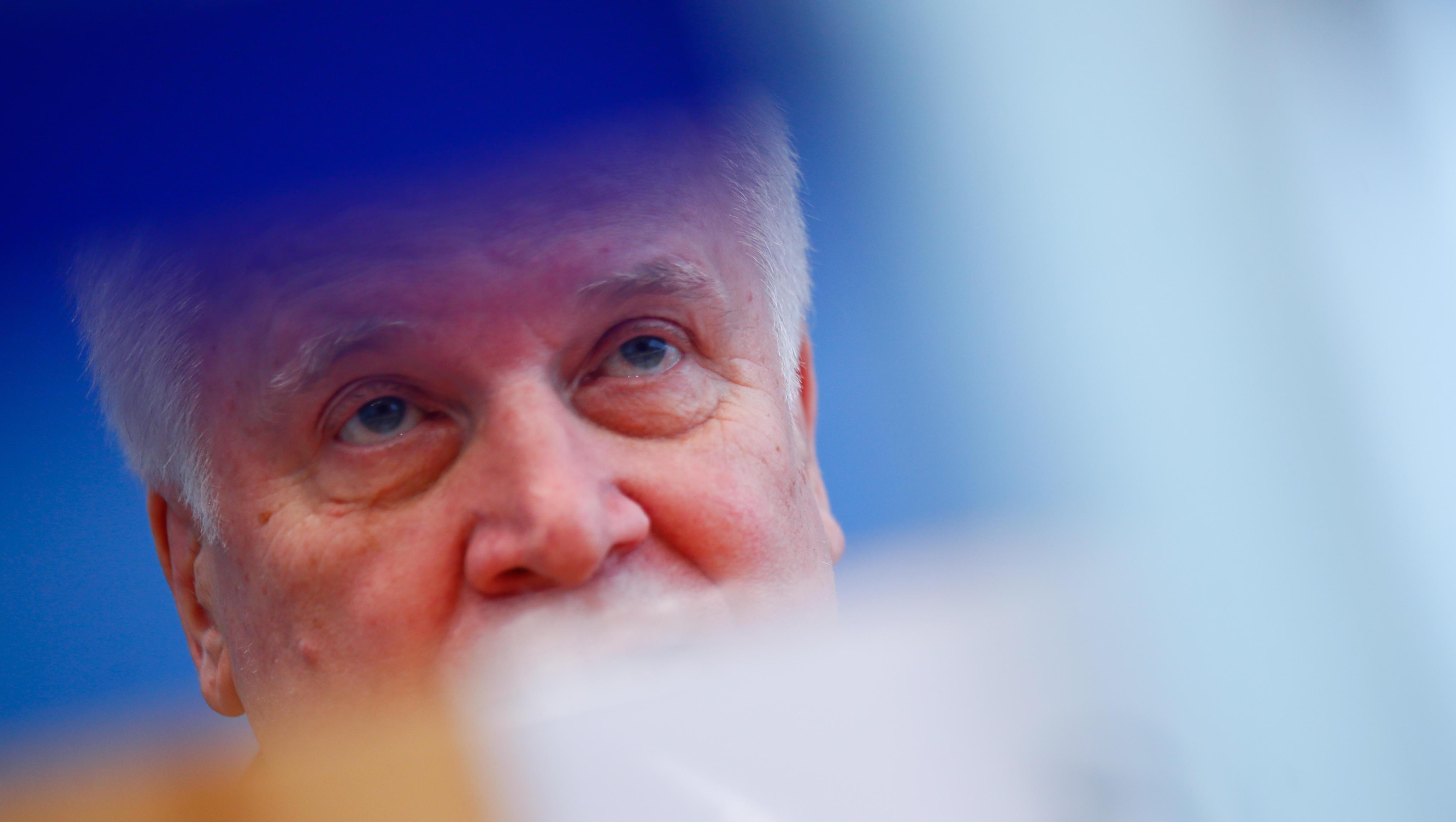 Seehofer attackiert EU-Kommission wegen Seenotrettung und Asylpolitik
