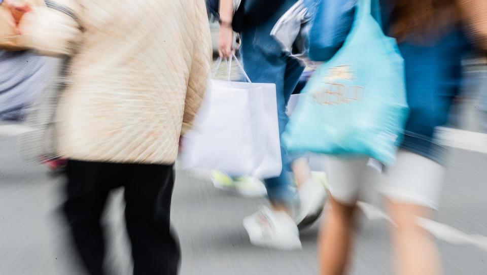 Hohe Beschäftigung macht den Deutschen wieder Lust auf Konsum