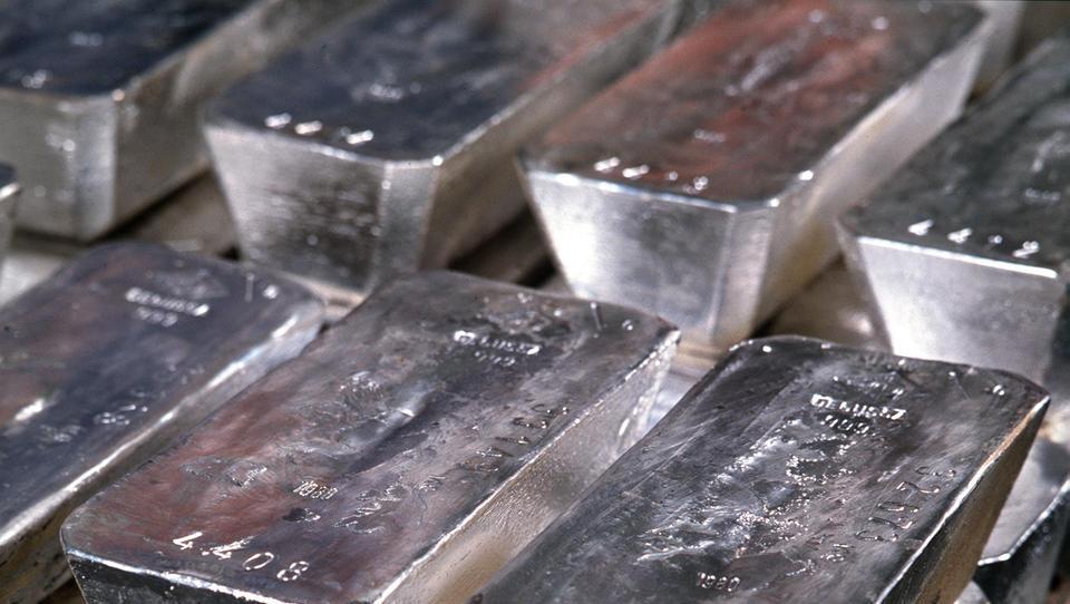 Turbulenzen an den Börsen: Silber und Platin verzeichnen gewaltiges Preisgefälle