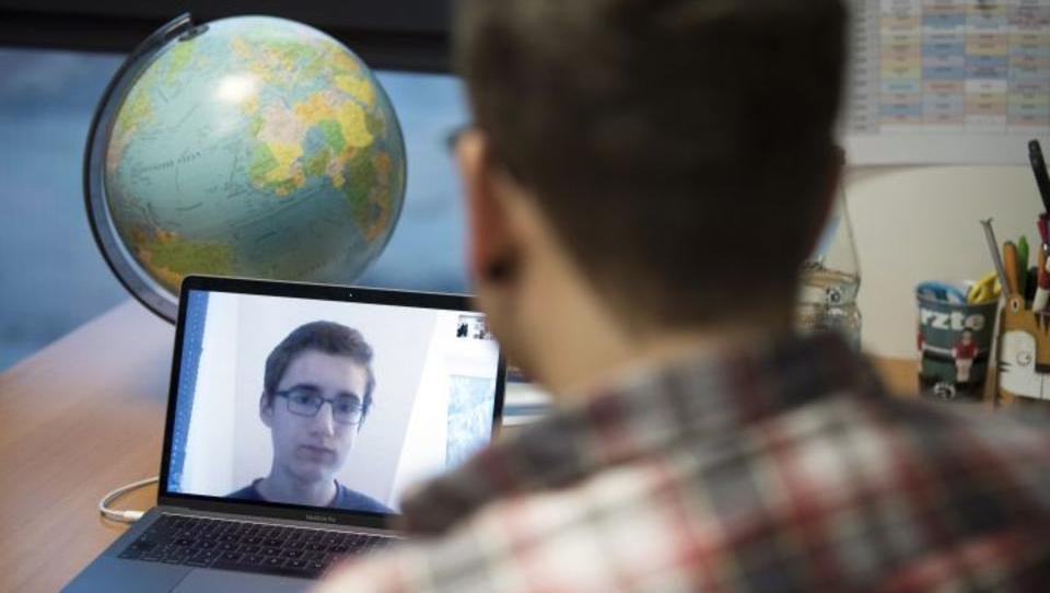 So stark ist die Nutzung von Video-Telefonaten und Online-Shopping gestiegen