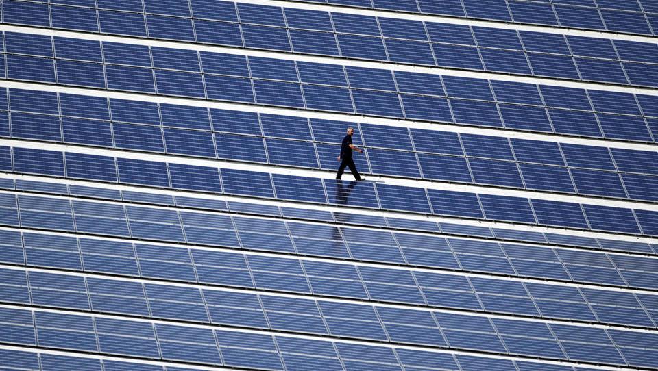 """""""Photovoltaik-Sozialismus"""": Ausbau der Erneuerbaren Energien geht am Verbraucher vorbei"""