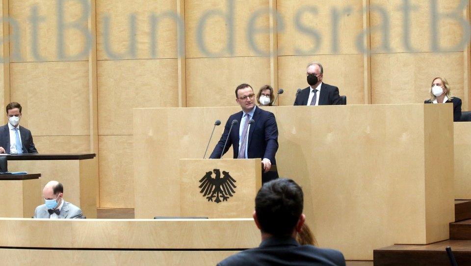 Bundesrat winkt Infektionsschutzgesetz durch, Steinmeier unterzeichnet