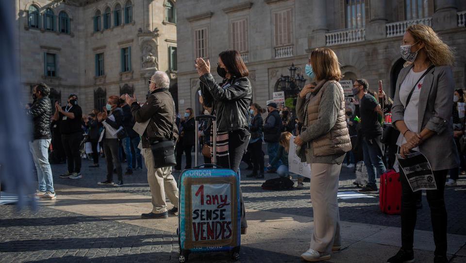 Spanien startet neuen Lockdown, kündigt Impfplan an
