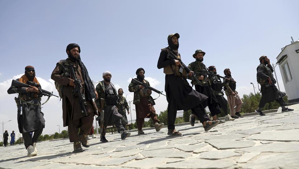 Hilfsgelder nach Afghanistan versiegen, doch die Taliban können es verkraften