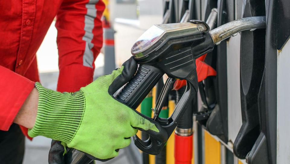 Werden Deutschlands Autofahrer weiter von der Corona-Krise profitieren?