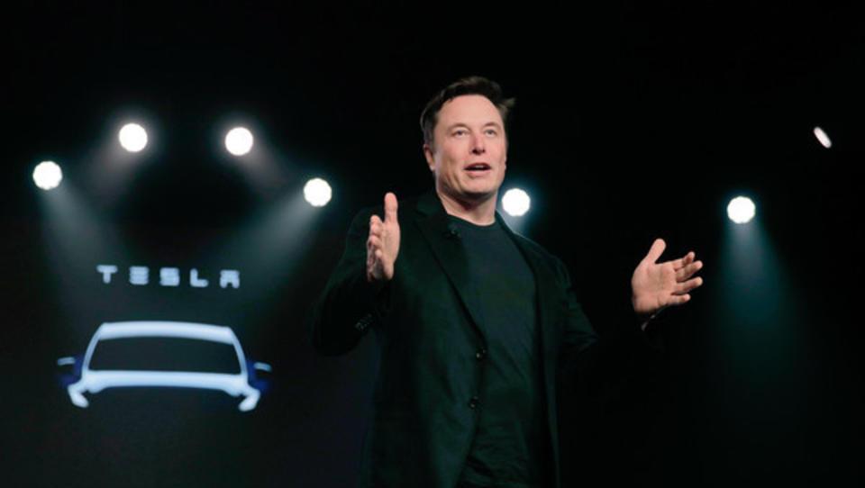 Konkurrent finanziert mit milliardenschwerem Emissionsdeal Teslas neue Fabrik in Brandenburg