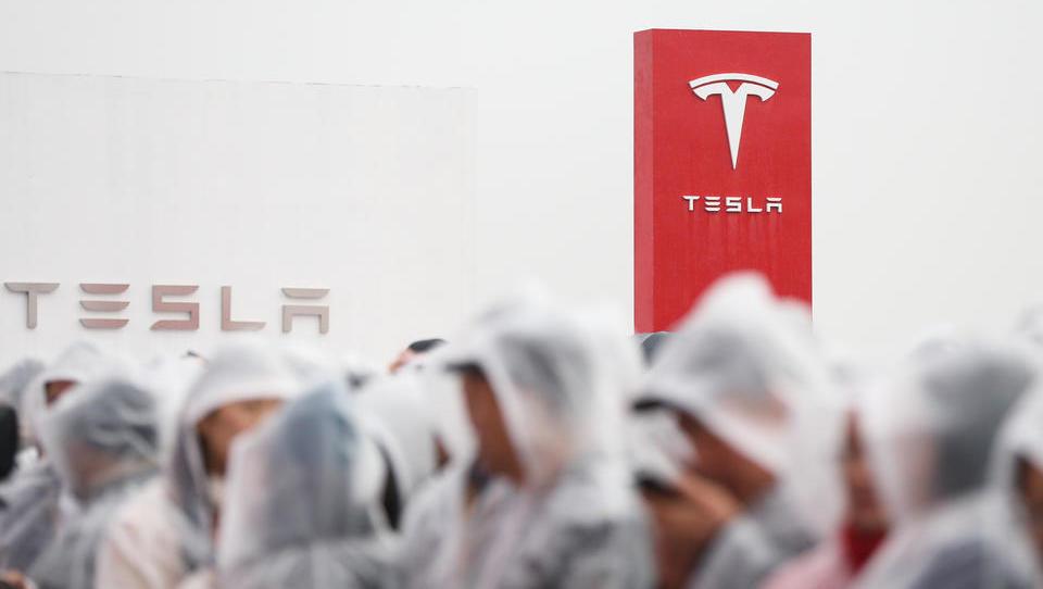 Absatz von Tesla in China bricht ein: Neues aus der Firmenwelt vom 19.05.