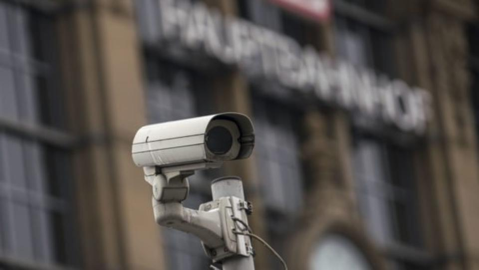 Neue Überwachungskameras können Worte von den Lippen ablesen