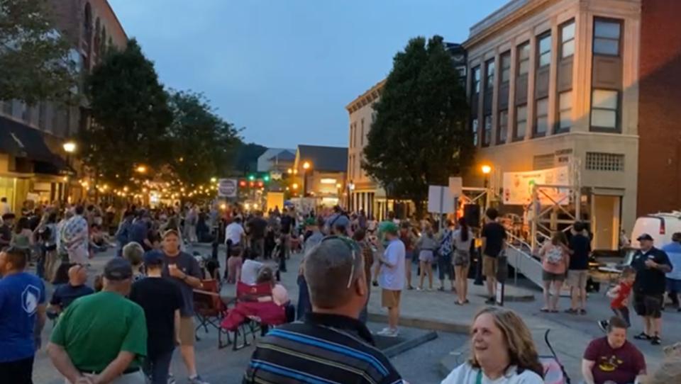 Trotz Corona: US-Stadt Huntington in West Virginia feiert fröhliches Volksfest