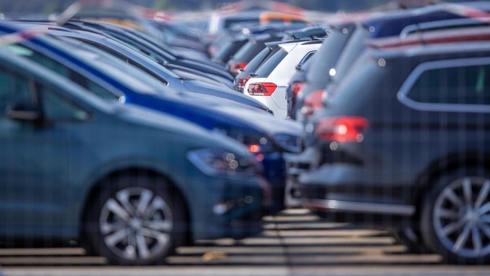 Deutsche Autobranche erwartet weiter schwache Pkw-Nachfrage