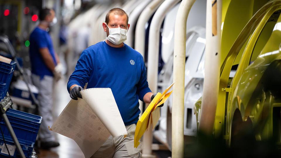 VW feiert Produktionsstart in Wolfsburg als wichtiges Zeichen