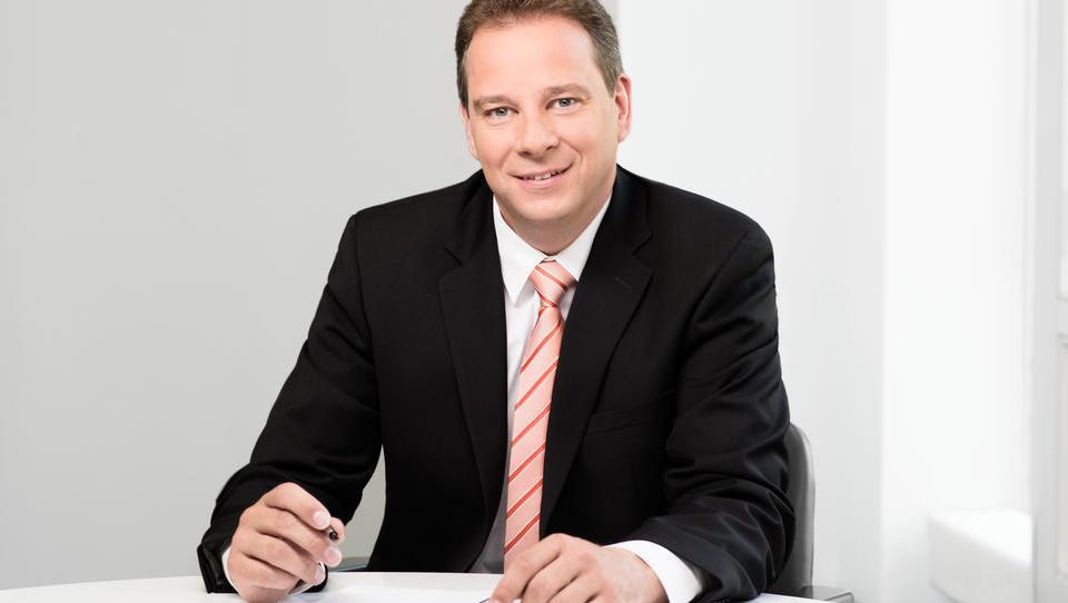CDU beschimpft eigenen Abgeordneten, weil er Merkels Politik kritisiert