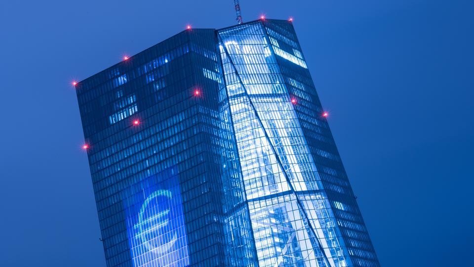 Griechischer Notenbank-Chef warnt vor vorschneller Rücknahme der EZB-Hilfe