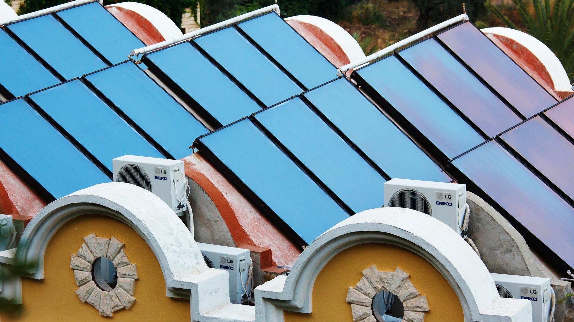 Entwurf unter Verschluss: Kommt bald eine Solarpflicht für Neubauten?