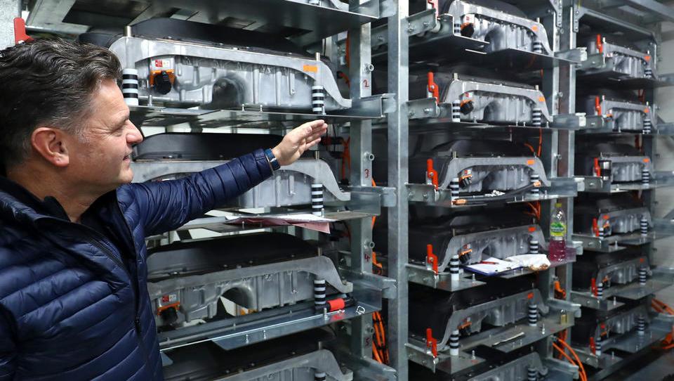 Berliner High-Tech-Schmiede sorgt für Wiederverwertung der E-Batterien - und entwickelt damit ganze E-Branche