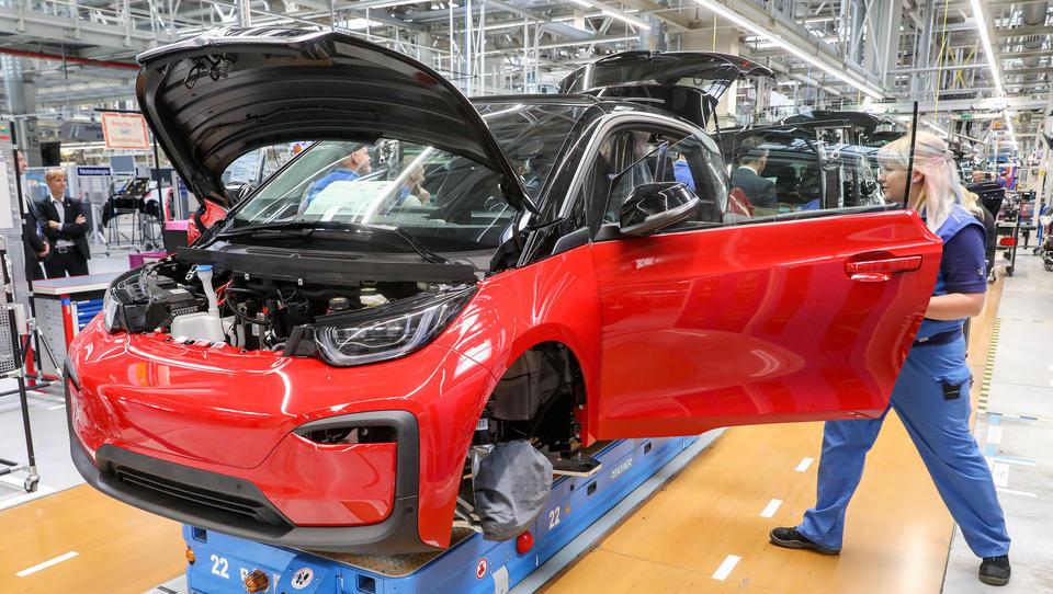 BMW verkauft deutlich mehr Elektro- und Hybridautos