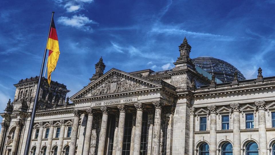 Parlamentarier fordern Ende des Renten-Sonderstatus für Abgeordnete