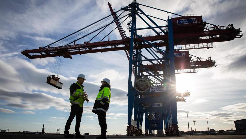 Ifo-Index: Geschäftsklima in Deutschland hellt sich überraschend auf