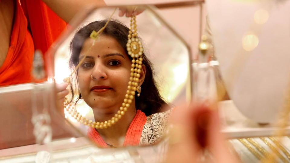 Schwache Nachfrage: Indiens Goldimporte brechen um 20 Prozent ein