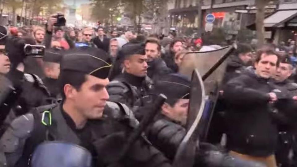 Paris: Ausschreitungen bei Pro-Flüchtlings-Demo