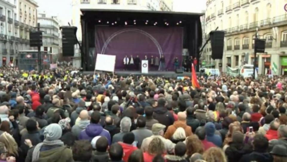 Zehntausende Spanier protestieren gegen Regierung, für Tsipras