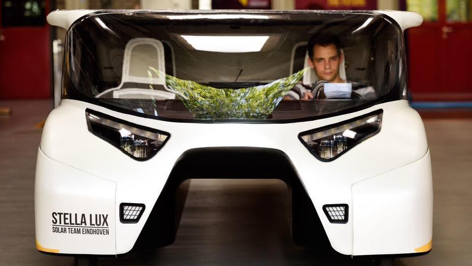 Solar-Auto produziert mehr Energie als es verbraucht