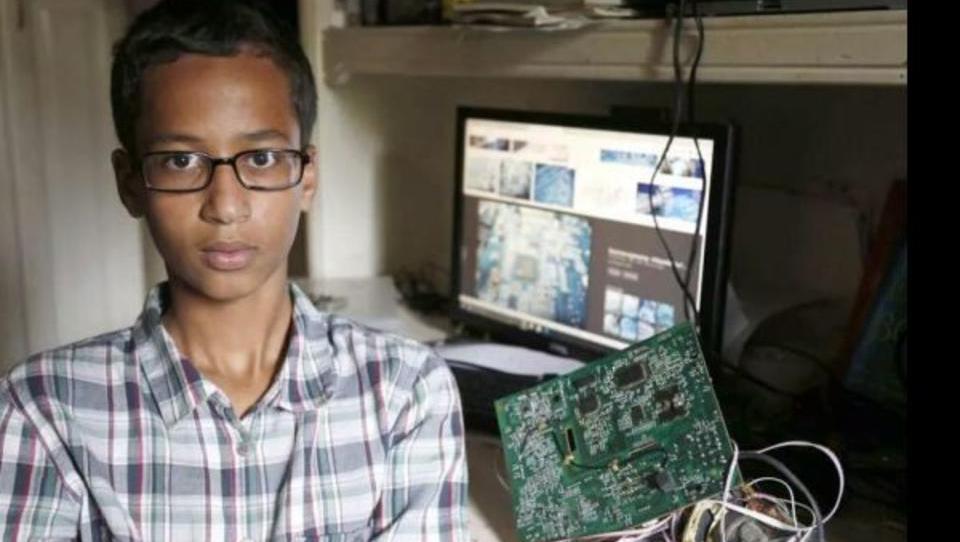 US-Polizei verhaftet Schüler, weil er eine Uhr gebastelt hat
