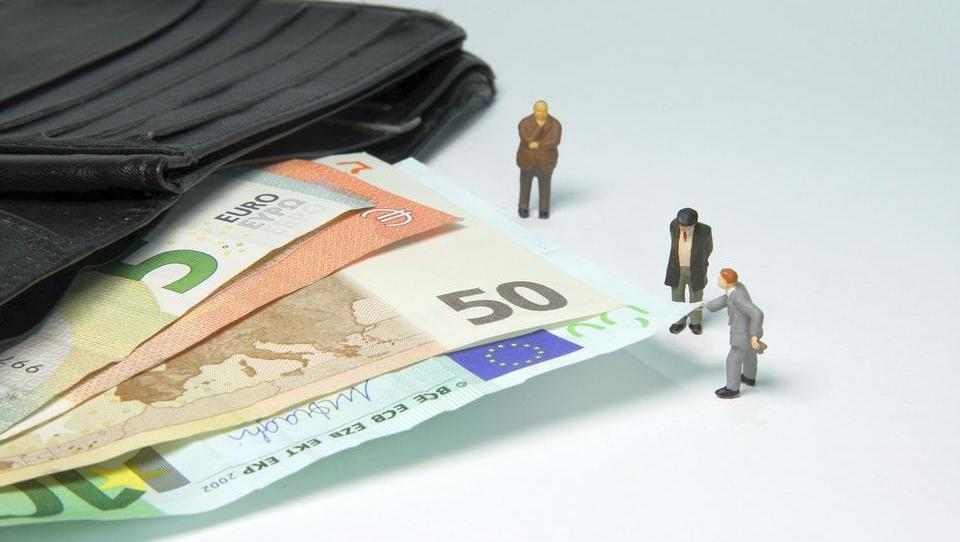 Nach Urteil: Rentner können auf niedrigere Steuern hoffen