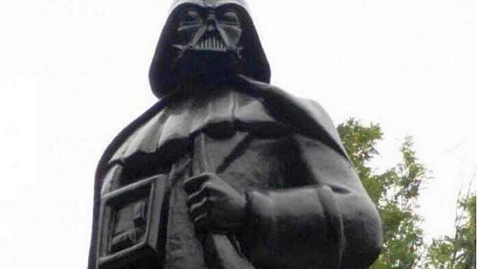 Ukraine baut Lenin-Denkmal zu Darth-Vader-Statue um