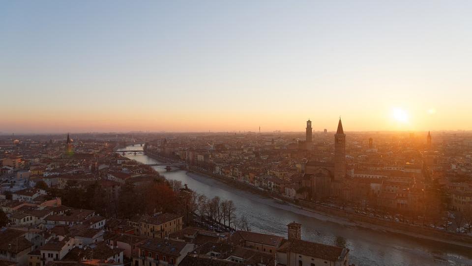 Italiener stehen für neues Bürgereinkommen Schlange
