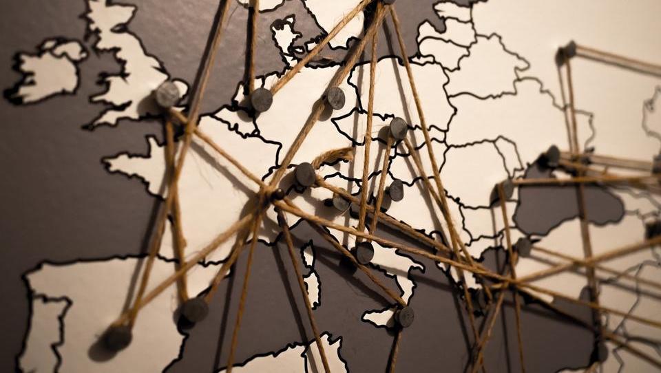 Globale Konjunkturerholung: Schlechtes Krisenmanagement wirft Europa zurück
