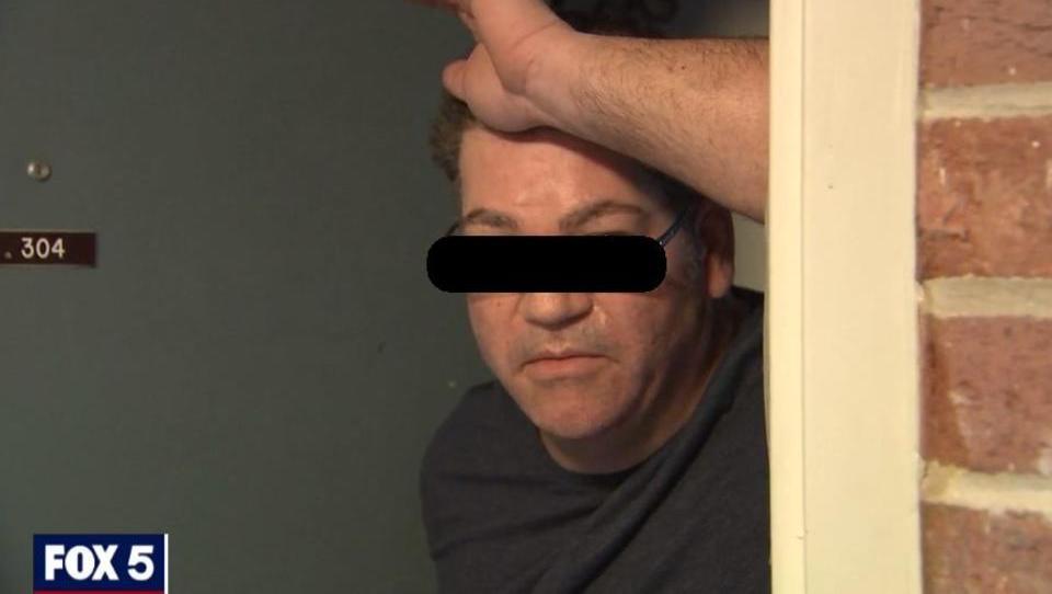 Corona-Homeoffice: Lehrer masturbiert vor Schülern während Zoom-Sitzung