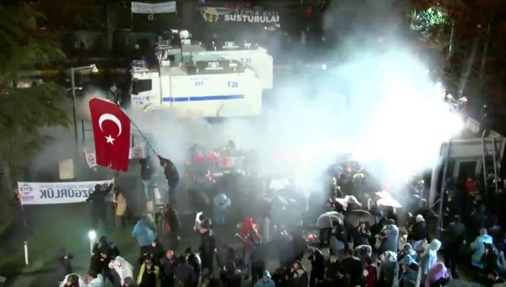 Türkische Polizei stürmt Redaktion der Zeitung Zaman